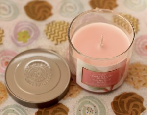 Sweet Spun Sugar scented soy candle